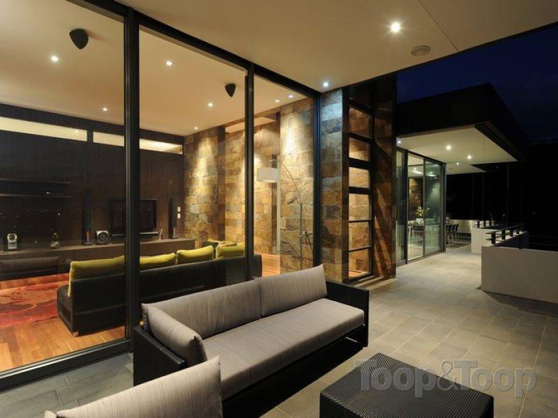 三间头房屋阳台设计